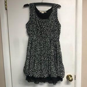 Sans Souci   Pretty black and white dress size m